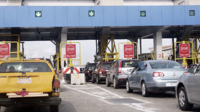 18 Lekki toll collectors handed over to police