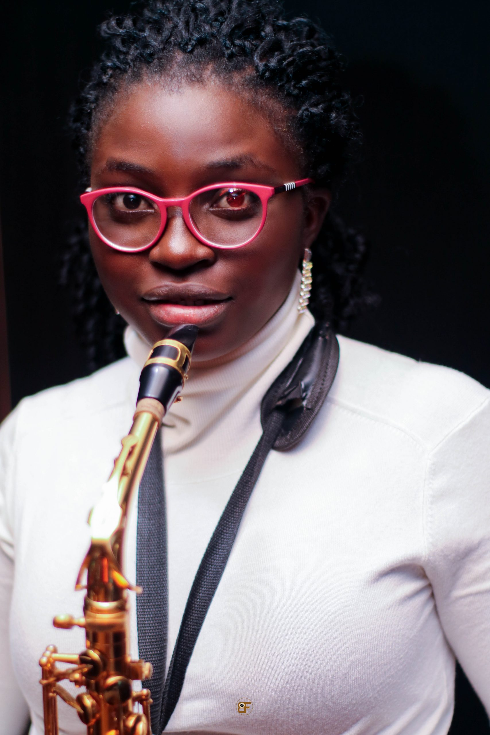 Young & Talented Female Saxophonist Tomini Sax Drops a Praise Session on YouTube